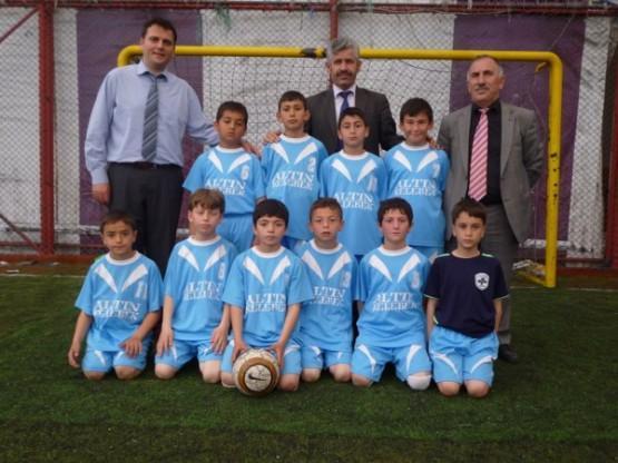 Ardeşen Futbol Şenliği Şampiyon Gazi İlkokulu