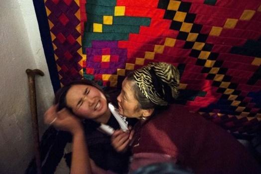 Ala Kachuu: Kırgızistan'da senelerdir devam eden, güya evlenmeye yönelik bir gelenek