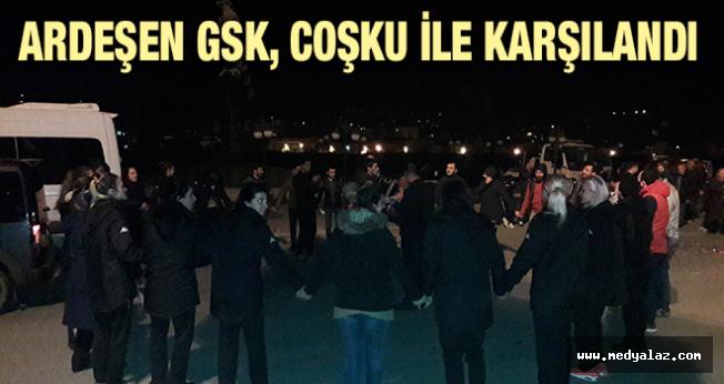 Ardeşen GSK Kafilesini Yüzlerce Taraftar Karşıladı