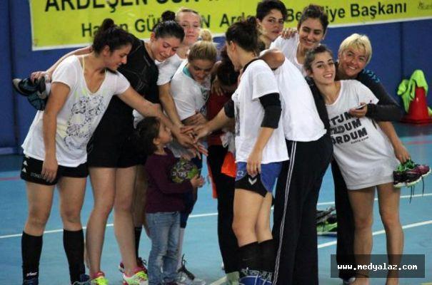 Pazarın Sultanların Süper Lig Hedefine 4 Maç Kaldı