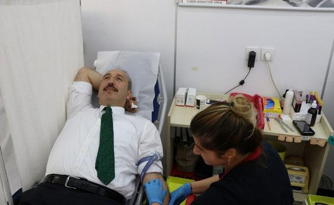Başkan Gültekin Kan Bağışında Bulundu