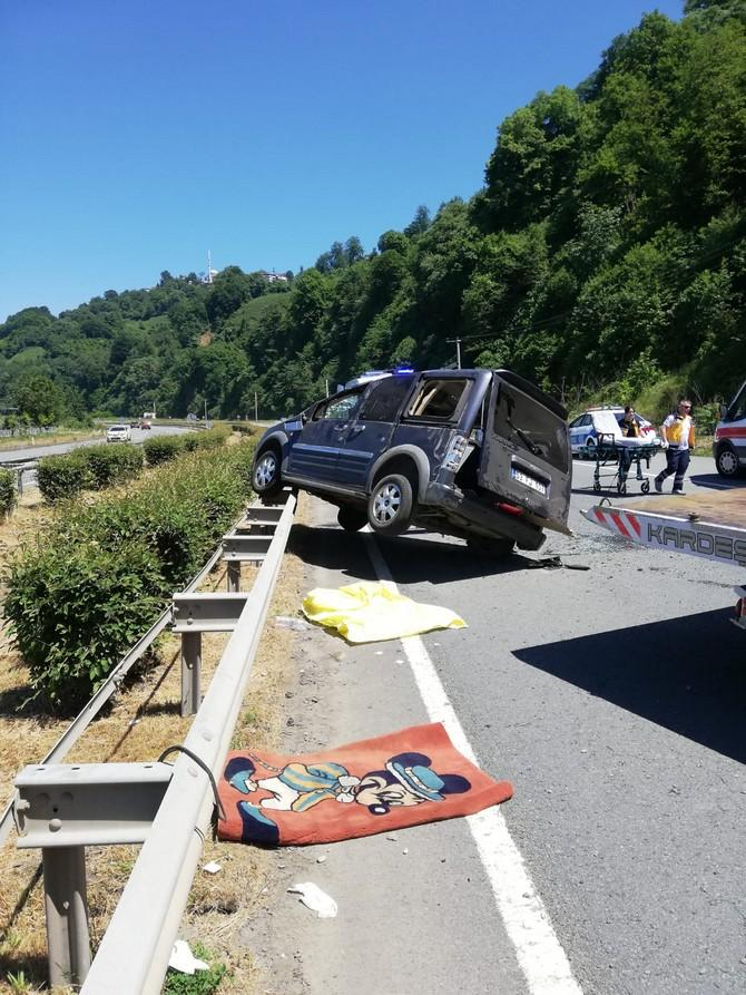 Pazar'da Trafik Kazası. 8 Yaralı