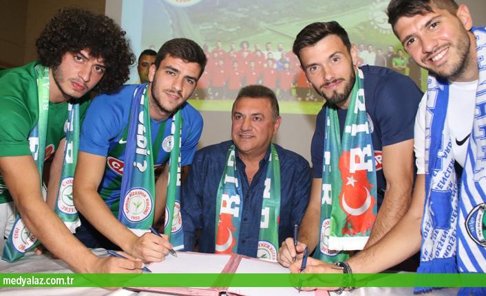 Çaykur Rizespor 4 Futbolcu Transfer imzaları Ardeşende Atıldı...