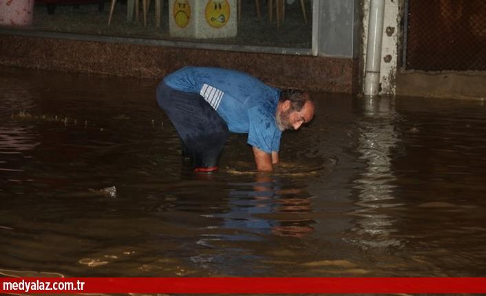 Meteoroloji'den Üst Üste Uyarı. Rize'de Sel ve Taşkın ile Kayıp Haberleri