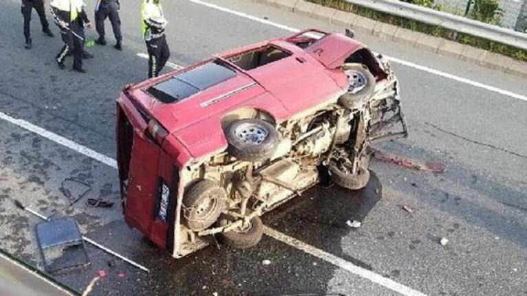 Çay için Rize'ye geliyorlardı Trabzon'da kaza yaptılar
