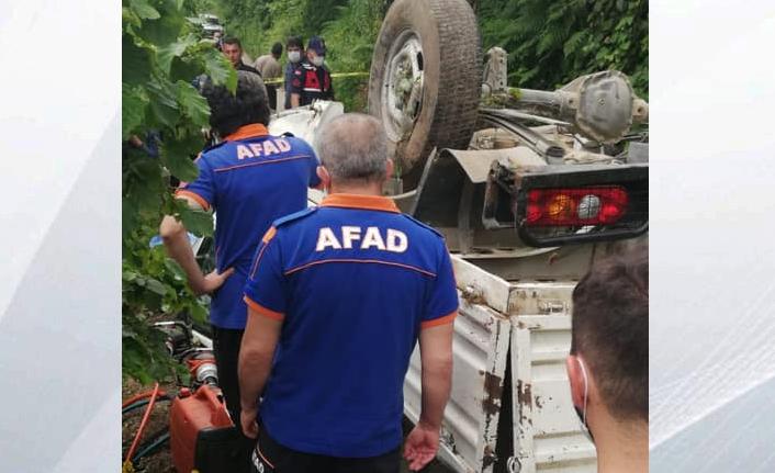 Trafik Kazası. Uçuruma devrilen kamyonetin sürücüsü öldü